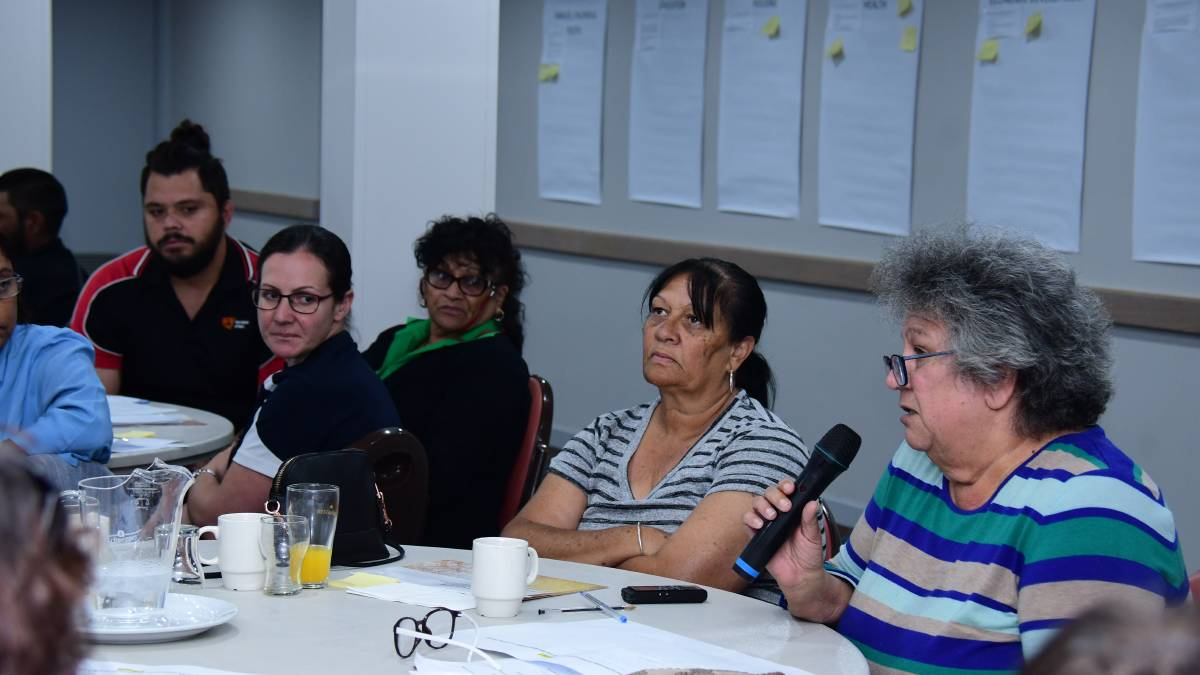 EXPRESSING VIEWS: Lorraine Wright and local Aboriginal community members have their say. Photo: BELINDA SOOLE