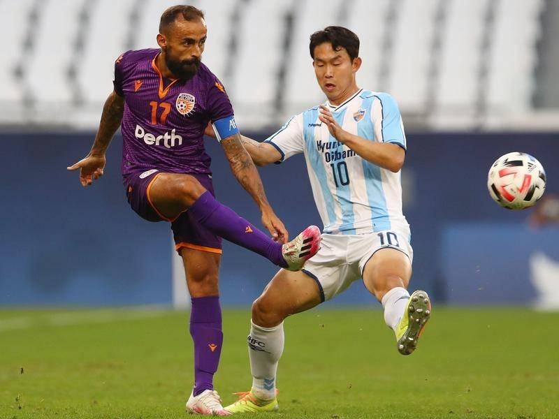 Perth Glory's Diego Castro returns to the team for Monday's ACL clash with Shanghai Shenhua.